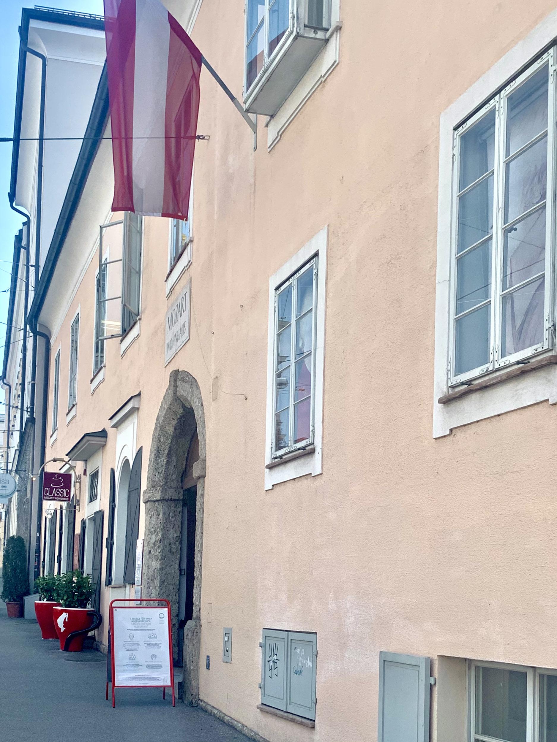 Mozart Wohnhaus am Makartplatz in Salzburg