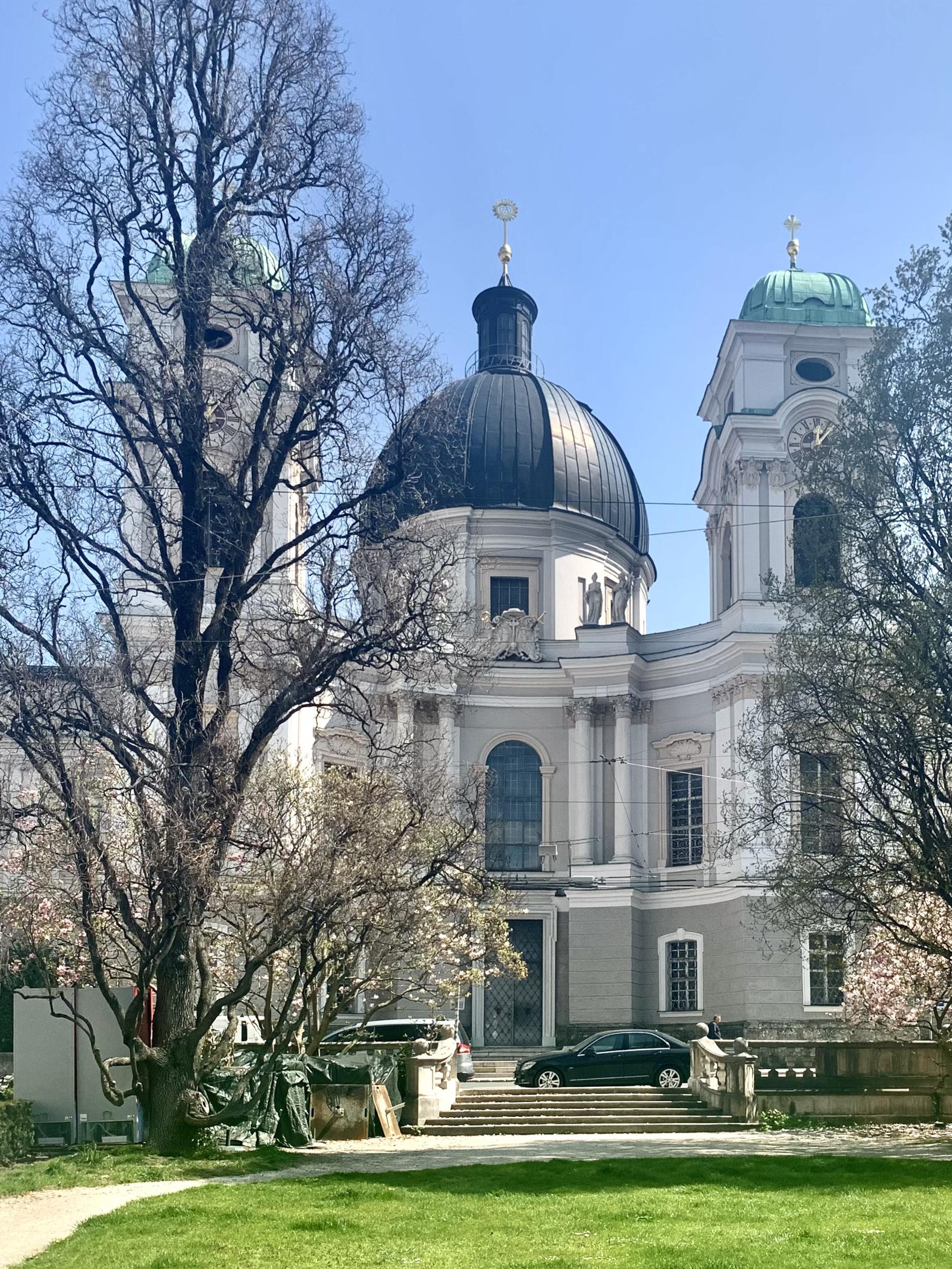 Holy Trinity Church, Dreifaltigkeitskirche
