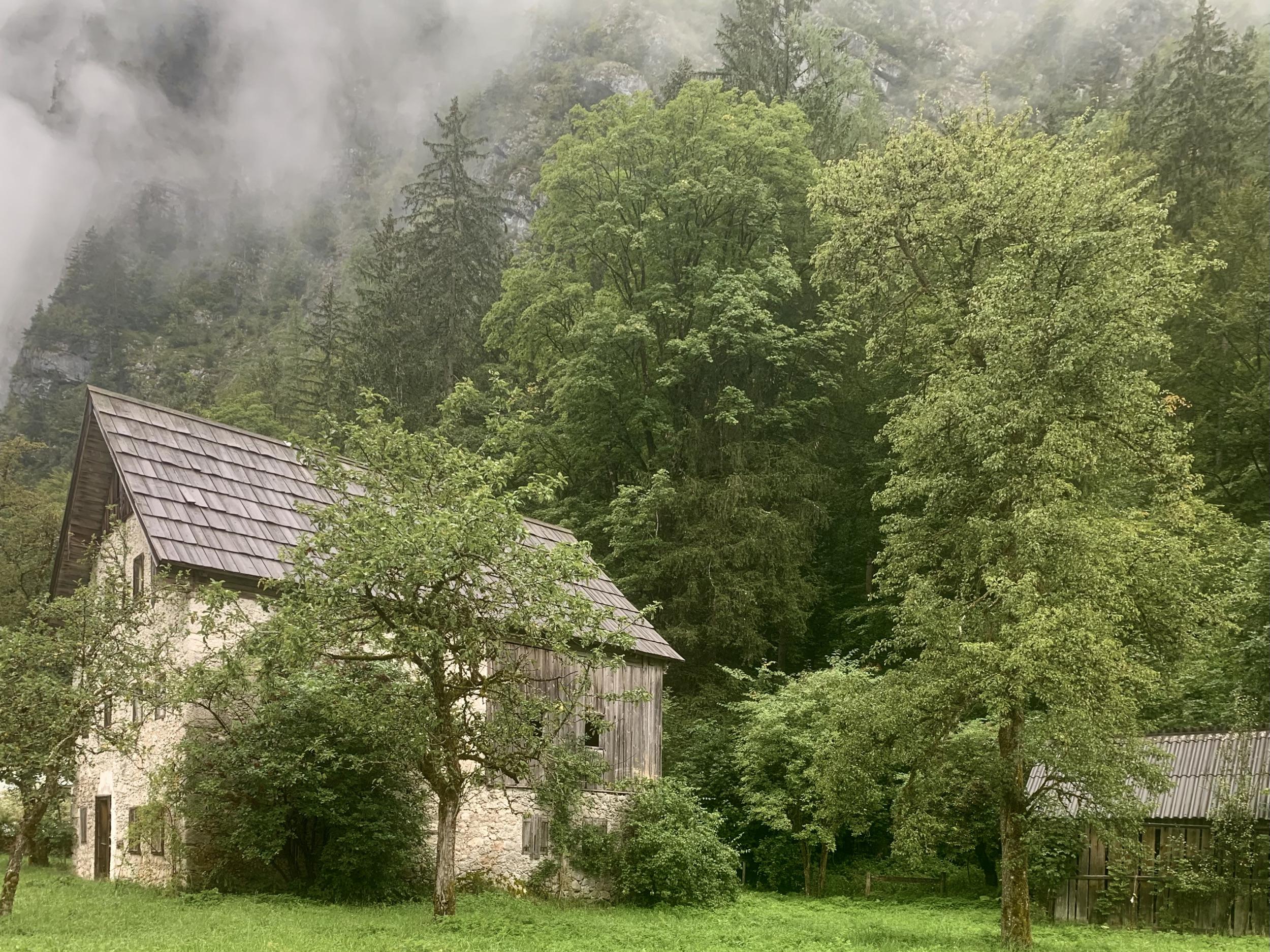 Old, abandoned stone house on Echerntalweg